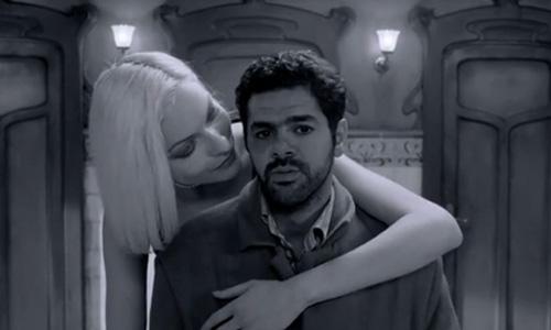 Андре и Ангела у зеркала