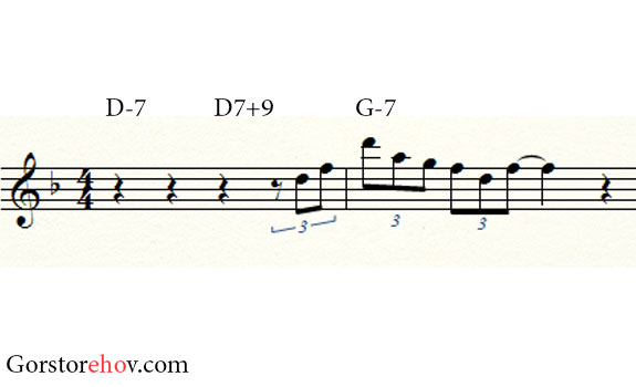 Фраза на аккорды D7+9 и G-7