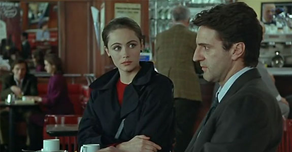 Стефан и Камилла в кафэ
